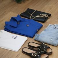 On espère que votre semaine s'est bien passée. Pour la clôturer, voici notre recette pour un look femme à la cool, mais stylé : - un T-shirt blanc - un jean - une Veste de Jacques, - saupoudrez le tout de 2 ou 3 accessoires rock et le tour est joué ! Bon week-end à tous !  #lavestedejacques #vestedetravail #bleudetravail #workwear #workwearstyle #workwearjacket #veste #vesteworker #workerjacket #bleudechauffe #fullblue #vintage #vintageworkwear #bluejacket #outfit #outfitoftheday #ootd #fashion #fashionstyle #blue #bleu #veste #vestefemme #womenworkwear #womenstyle #lookdujour #lookdujourbonjour #casualoutfit